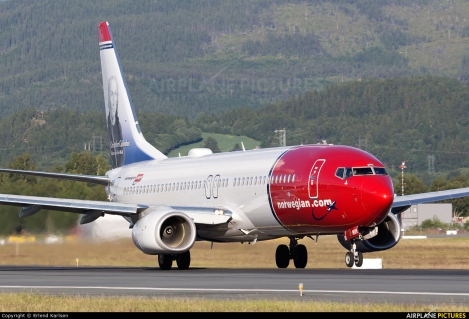 Norwegian Air Shuttle Boeing B737-800