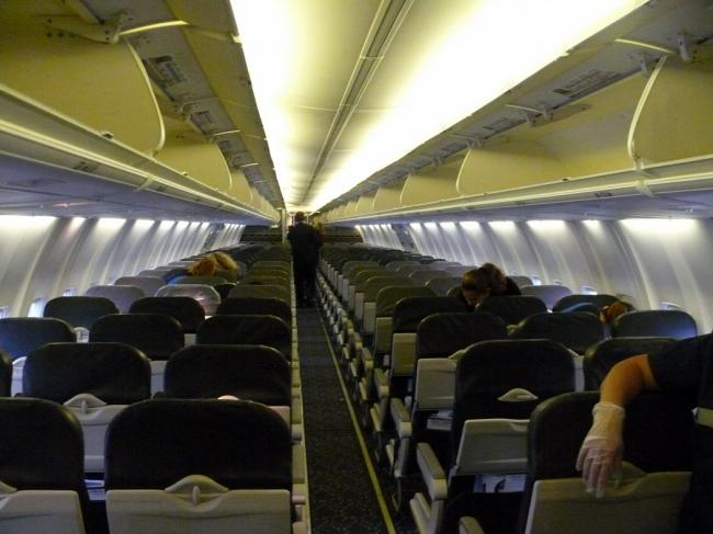 alaska-airlines-boeing-737-400-cabin-2010_14489