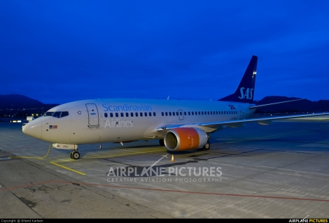 SAS Scandinavian Airlines Boeing B737-700