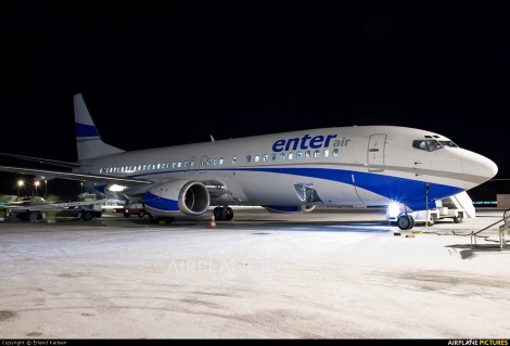 Enter Air Boeing B737-400