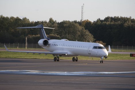 Estonian Air CRJ700