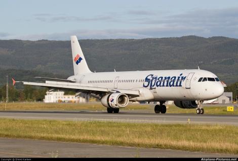 Spanair Airbus A321