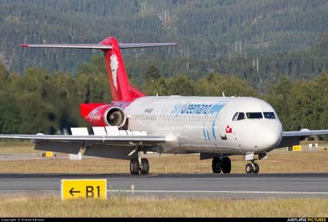 Denim Air  / SkyGreenland Fokker F100
