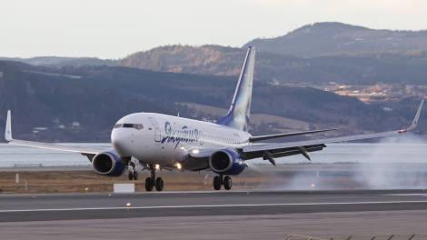 Yakutia Airlines Boeing B737-700