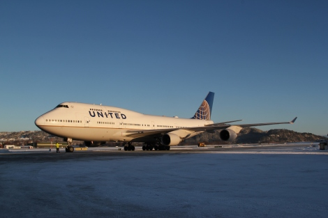 United Airlines Boeing B747-400