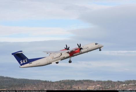 SAS Commuter Bombardier Dash 8-400